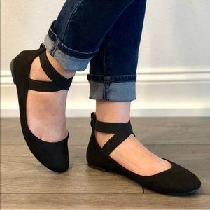 Shoes - 5⭐️Black elastic ankle strap ballet flat shoes